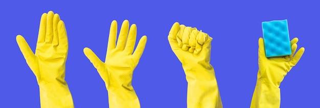 Handen in rubberen handschoenen met schoonmaakbenodigdheden banner met vrije ruimte voor tekst, blauwe achtergrond