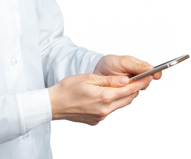 Handen met mobiel