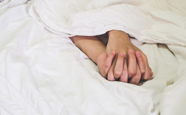 Handen van het paar