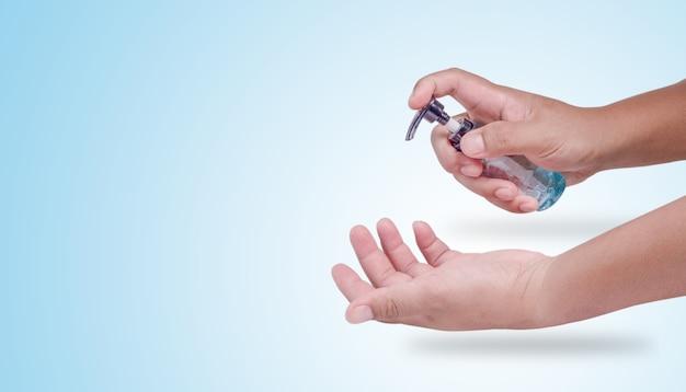 Handen wassen met alcohol om virussen te voorkomen, alcoholgel om virussen te doden
