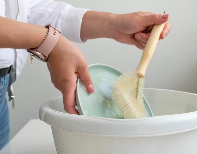 Handen wassen schotel close-up