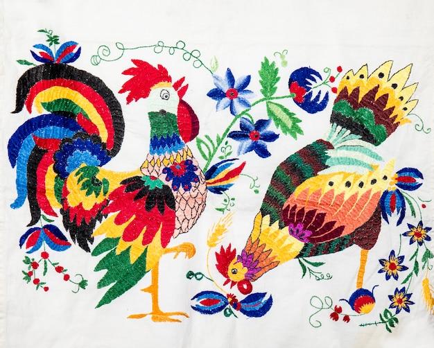 Handgemaakt borduurwerk volkskunst en handwerk