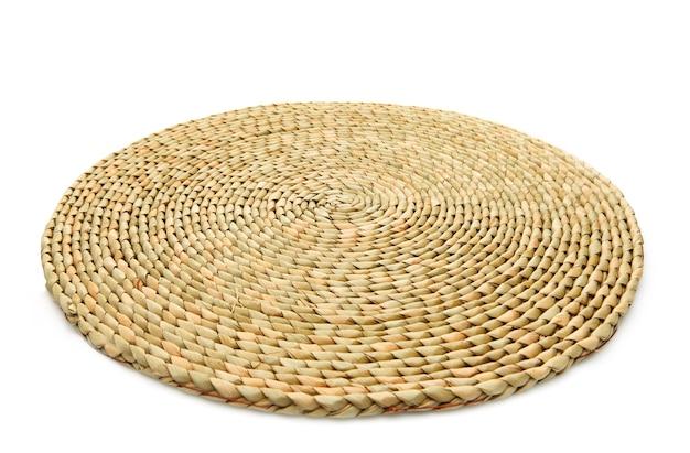 Handgemaakt natuurproduct, geweven bamboeplaat, rotanvlechtwerk. eco-vriendelijk en duurzaam concept.