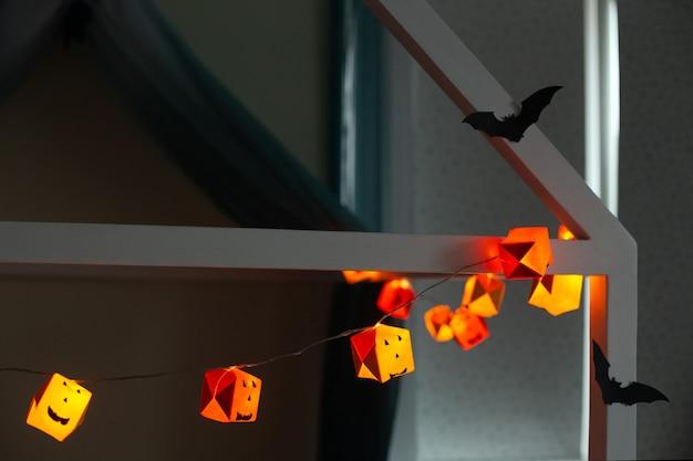 Handgemaakte halloween papieren pompoenslinger vleermuis silhouetten woondecoratie