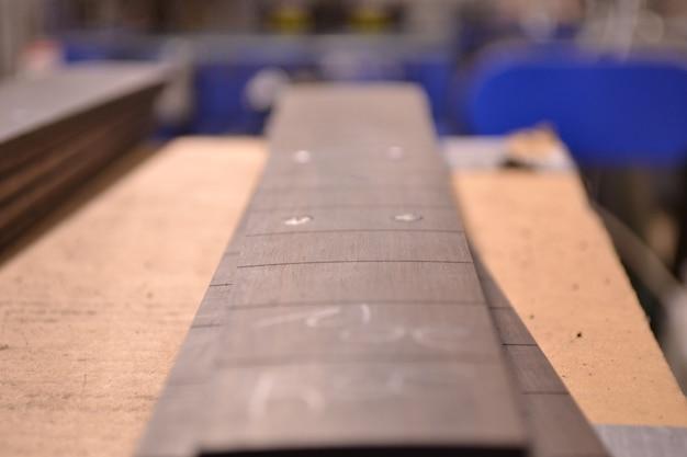 Handgemaakte houten gitaar hals niet af