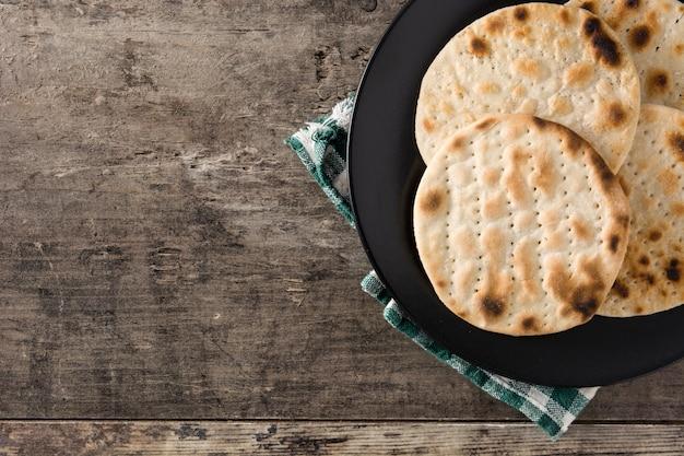Handgemaakte matzah voor joods pascha