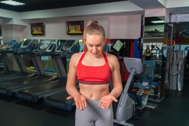 Handpijn door een gewichtheffenoefening in gymnastiek