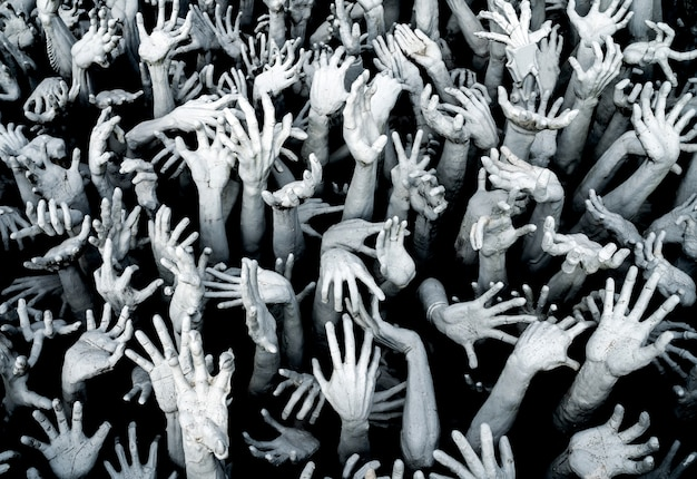 Hands from hell - horror background uitbraak van zombie.