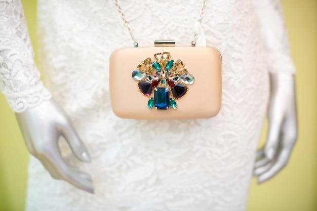 Handtas met kostbare kristallen