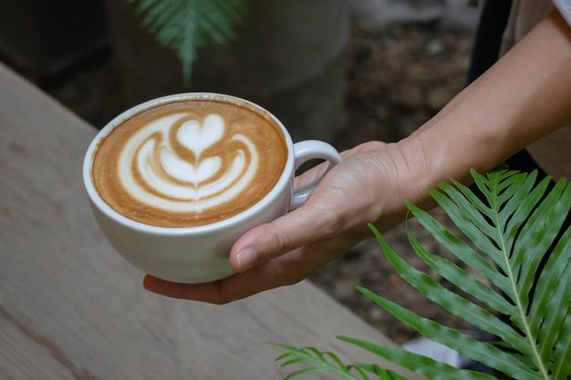 Handwerk van warme melk koffiekopje, stockfoto