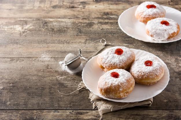 Hanukkah sufganiyot traditionele joodse donuts voor chanoeka exemplaarruimte