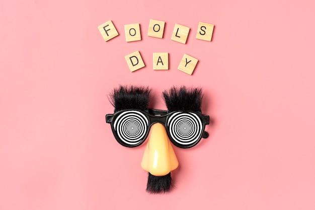 Happy dwazen dag concept eerste april feest feestdagenkaart