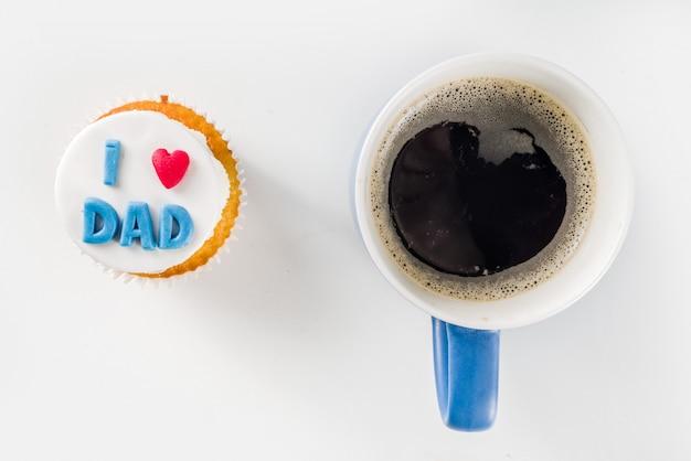 Happy fathers day met cupcake en koffie