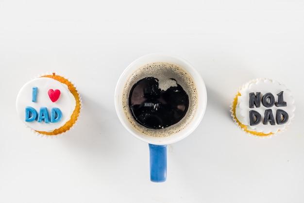 Happy fathers day met cupcakes en koffie