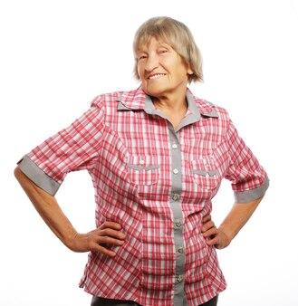Happy senior vrouw geïsoleerd op wit