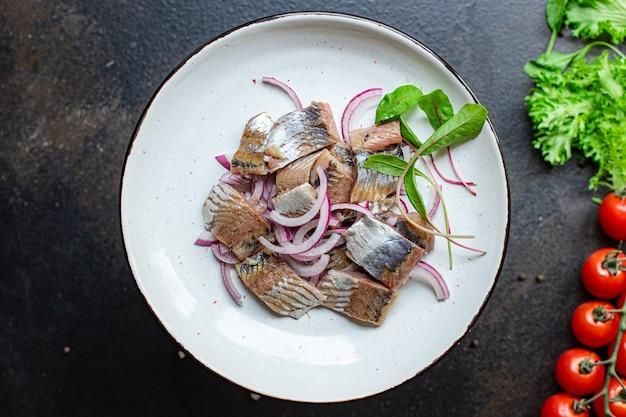 Haring salade ui dressing snack zeevruchten pescetarian