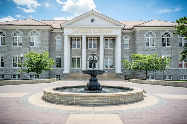 Harrisonburg virginia verenigde staten james madison university carrier library