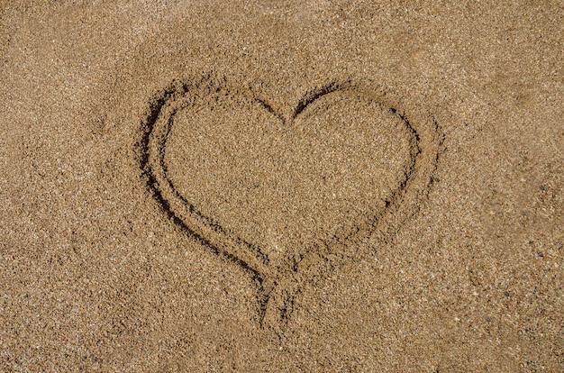 Hart in het zand.