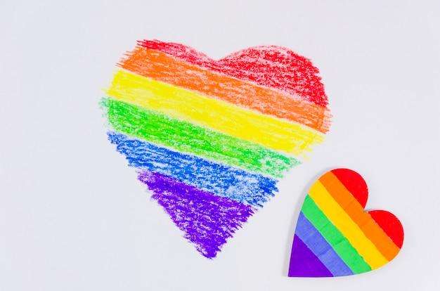 Hart met de kleuren van trotsvlag