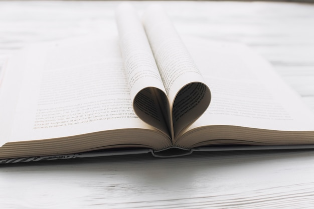 Hart van boekpagina's