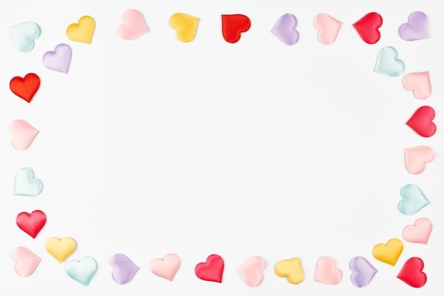 Hart van harten met kopie ruimte. valentijnsdag harten, symbool van liefde concept. geïsoleerde witte achtergrond.