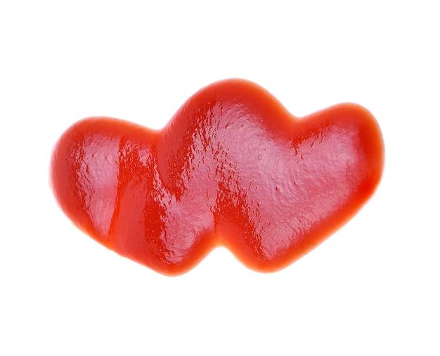 Hart van ketchup geïsoleerd op een witte achtergrond