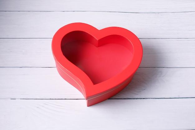 Hartvormige geschenkdoos. bovenaanzicht. fijne valentijnsdag.