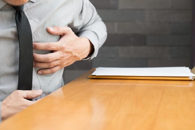 Hartziekte tijdens het werken op kantoor