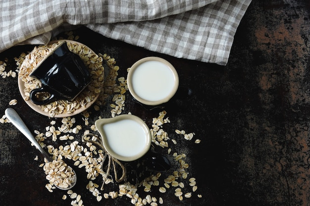 Havermelk keto-drankjes. veganistische melk.