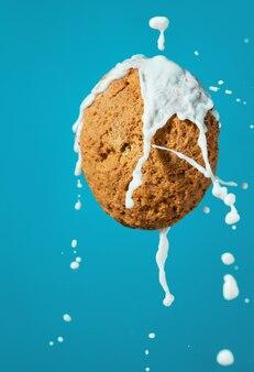 Havermout koekjes met melk spatten