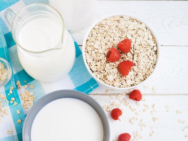 Havermout met melk en frambozen