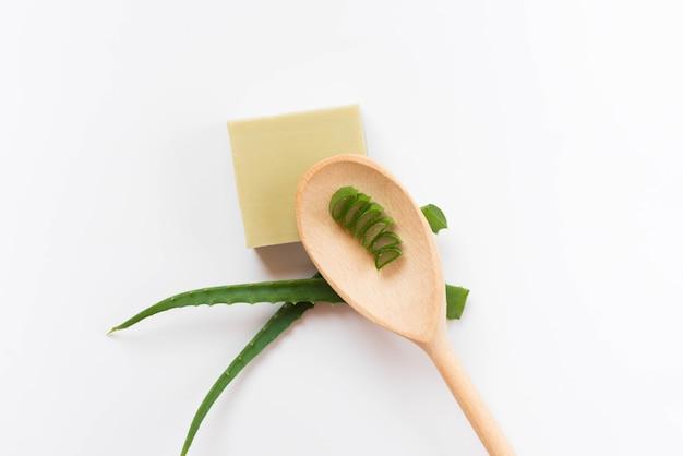 Healthy spa concept en de zeep van aloëvera