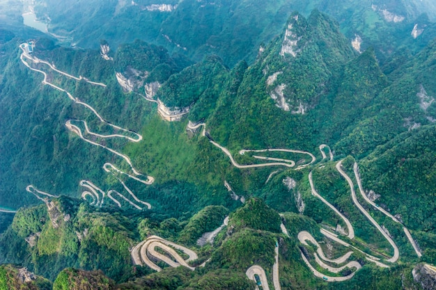 Heaven linking avenue van 99 bochten weg naar heaven's gate zhangjiagie tianmen mountain china