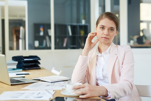 Hedendaagse zakenvrouw