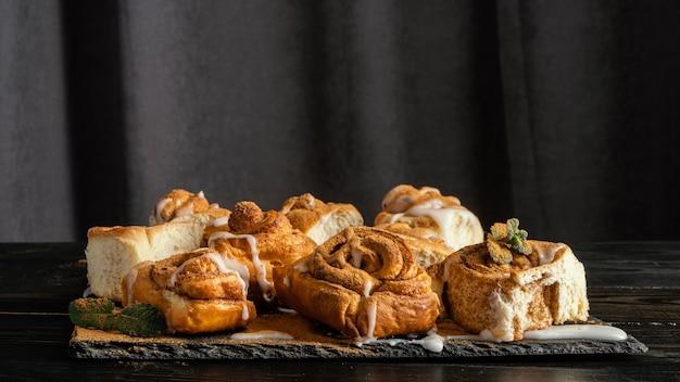 Heerlijk assortiment kaneelbroodjes
