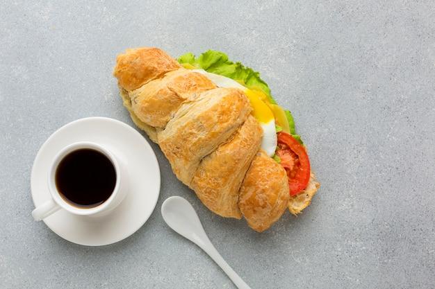 Heerlijk broodje en koffie