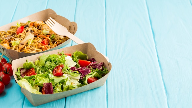 Heerlijk chinees eten met salade