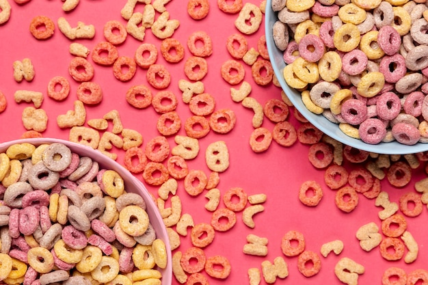 Heerlijk en voedzaam fruit granen loops bovenaanzicht