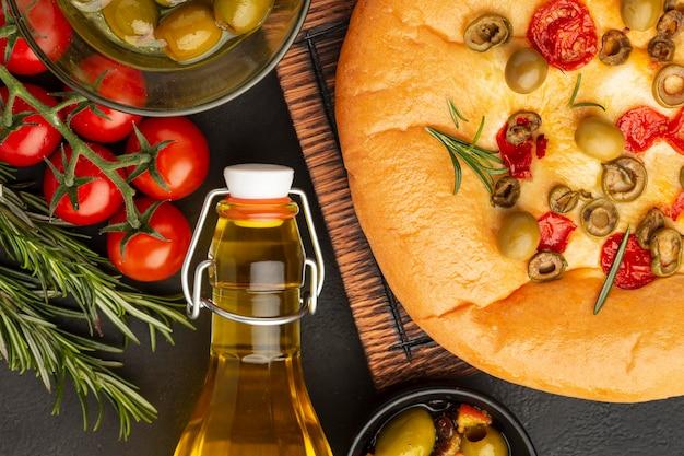 Heerlijk eten arrangement boven weergave
