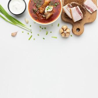 Heerlijk eten arrangement bovenaanzicht