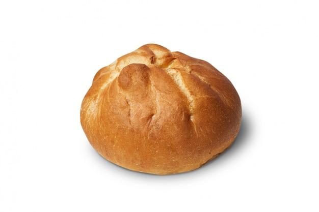 Heerlijk gebakken broodje dat op wit wordt geïsoleerd.