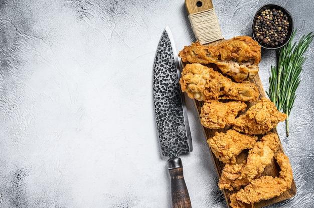 Heerlijk krokant gebakken gepaneerde kipdelen