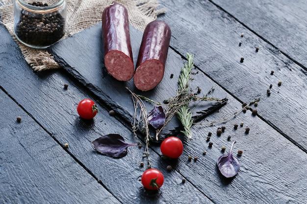 Heerlijk vlees met ingrediënten