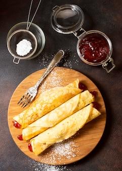 Heerlijk winter crêpe dessert en jam