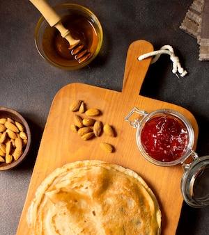 Heerlijk winter crêpe dessert plat leggen