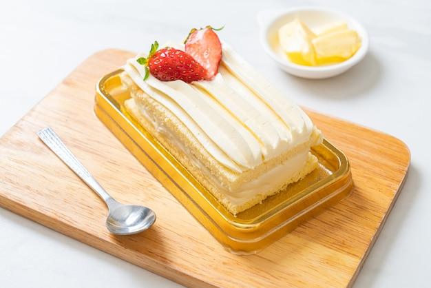 Heerlijke aardbei korte taart op tafel