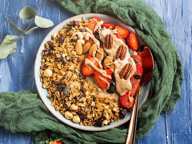 Heerlijke amarantpap met aardbeien