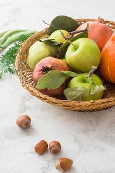 Heerlijke appelen in mand