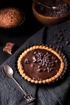 Heerlijke chocoladetaart klaar om te worden geserveerd