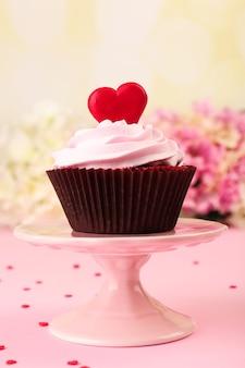 Heerlijke cupcake voor valentijnsdag op roze